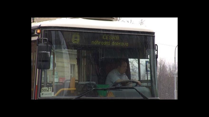 Video NO COMMENT: Dopravní podnik vypravil pro cestující náhradní autobus