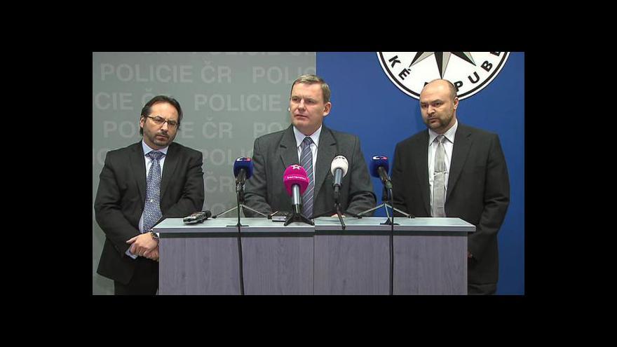 Video Policie o případu rozsáhlého krácení daní