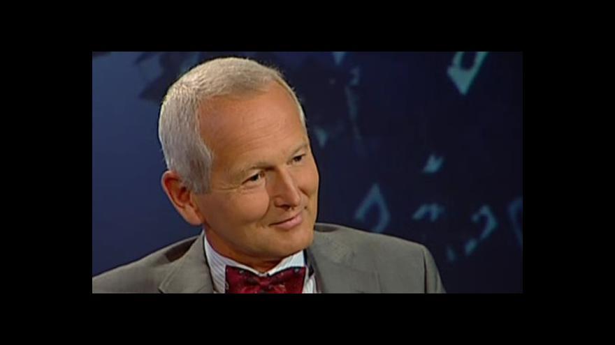Video Profesor Jan Pirk o dluzích Jana Fischera