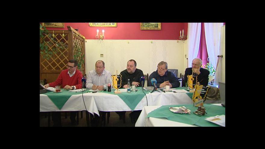Video Brífink Strany soukromníků k trestnímu oznámení na Mládka