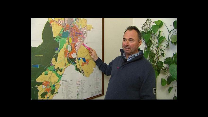 Video Na výkupu pozemků pro obchvat budou spolupracovat obce
