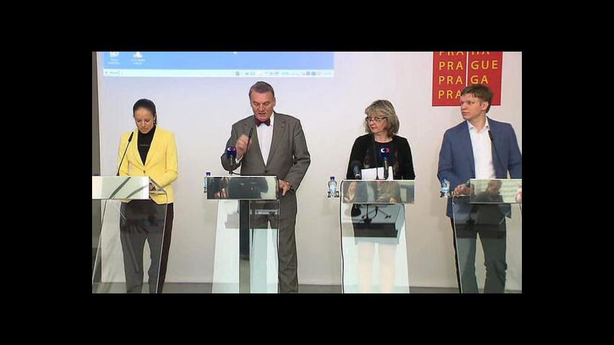 Video Brífink primátora a radních o obvinění kvůli opencard