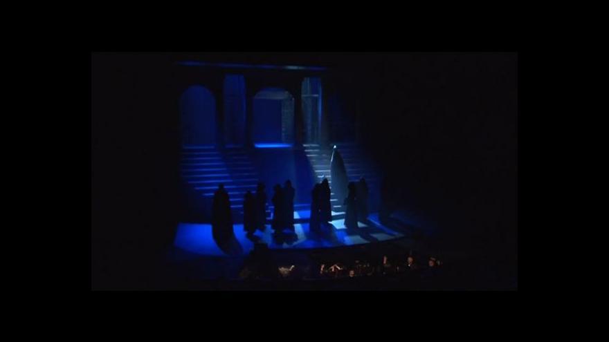 Video NO COMMENT: Ukázka z muzikálu Papežka