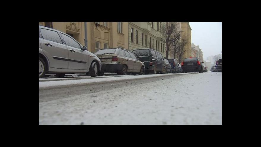 Video No comment: Sníh komplikoval dopravu v Brně