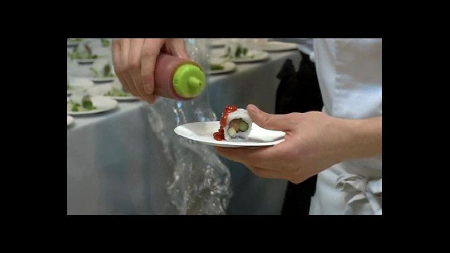Video V Tokiu se konal veletrh zaměřený na sushi