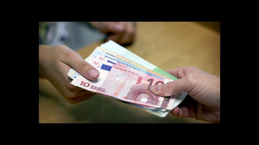 Video Kypřanům docházejí peníze