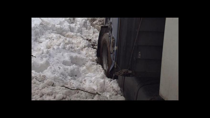 Video No comment: Následky sněhové kalamity