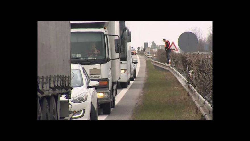 Video Počasí uzavřelo hraniční přechody