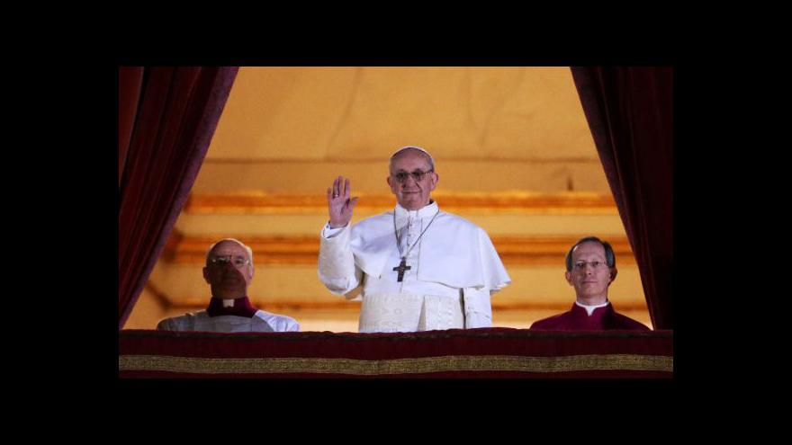 Video František se ujal pontifikátu