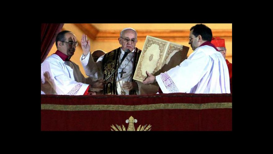 Video Papežem je Argentinec, přijal jméno František