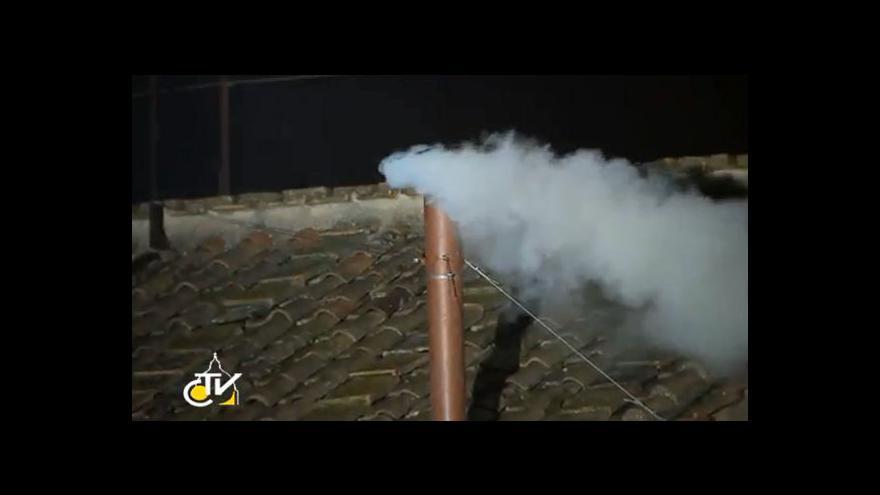 Video Bílý kouř oznámil zvolení papeže