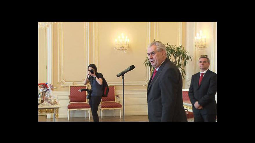 Video Zeman přivítal na Hradě hejtmany