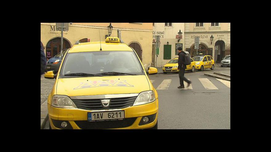 Video Stanoviště taxi v Praze mění správce
