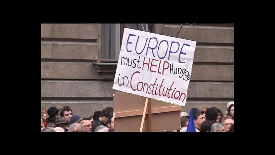 Video Maďarsko mění ústavu