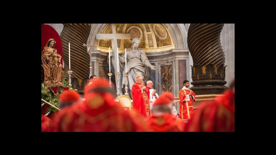 Video Zprávy ve 12:00 - Ve Vatikánu začíná konkláve