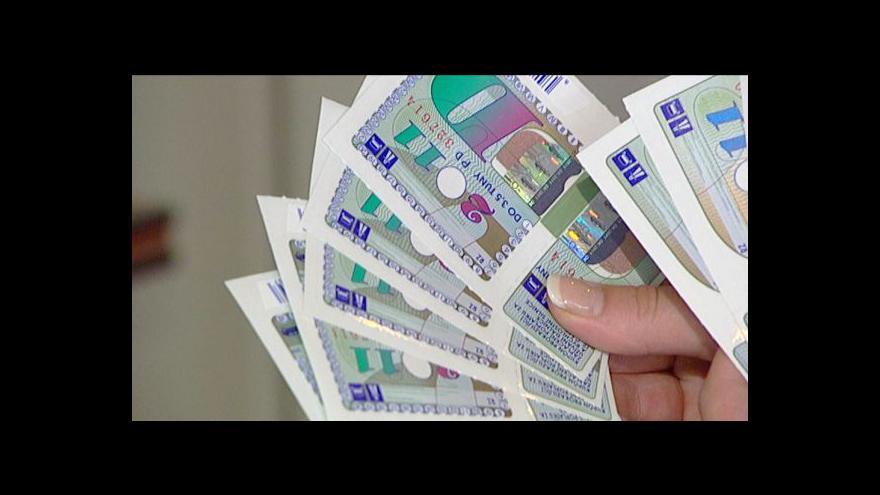 Video Dálniční známky by mohly zdražit až o 300 korun