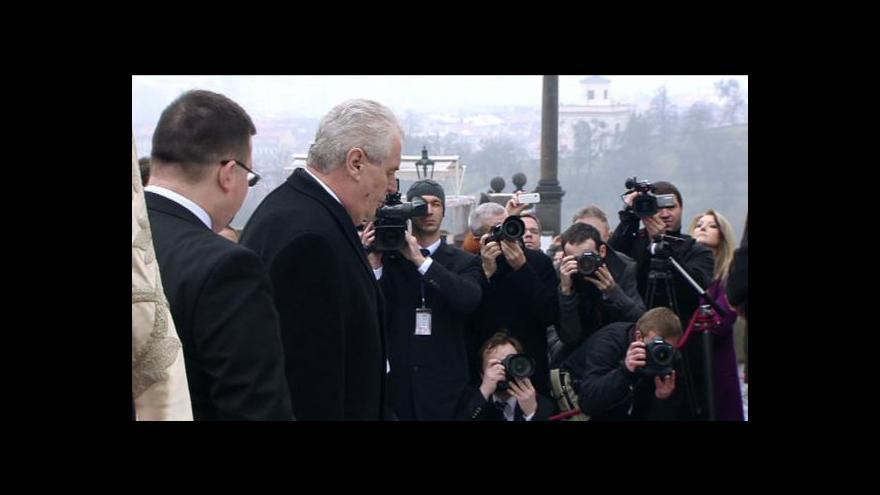 Video Zeman v pondělí oznámí jména těch, kteří ho doprovodí na Hrad