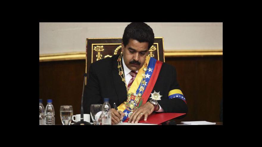 Video Maduro složil prezidentskou přísahu. Opozice: Je to protiústavní