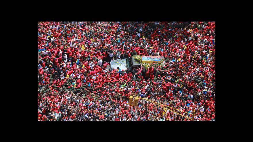 Video Venezuela se loučí s Chávezem