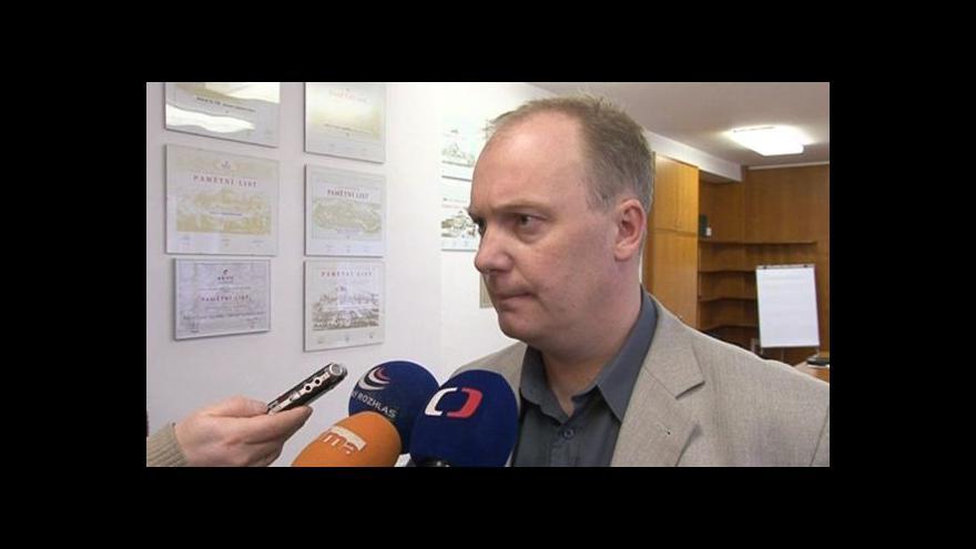 Video Kriminalista Evžen Ryšánek popisuje podvody s nezdaněnými cigaretami