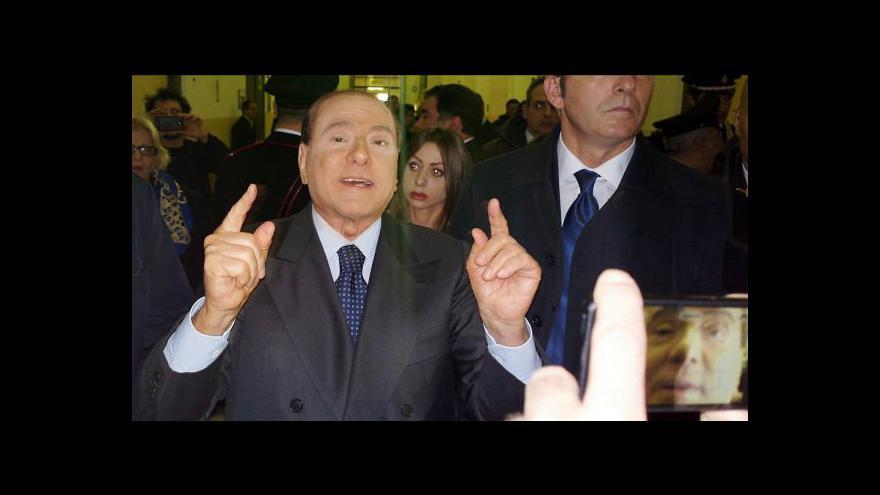 Video Berlusconi dostal rok vězení