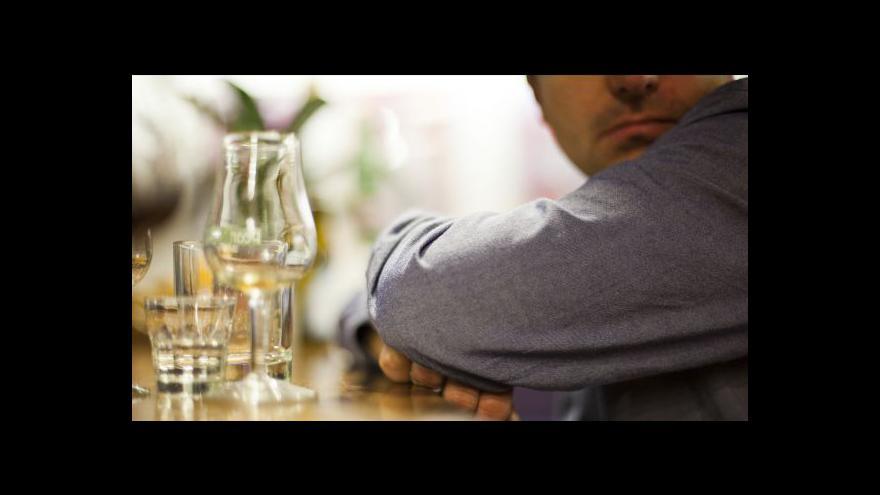 Video Vláda zpřísnila pravidla pro prodej alkoholu