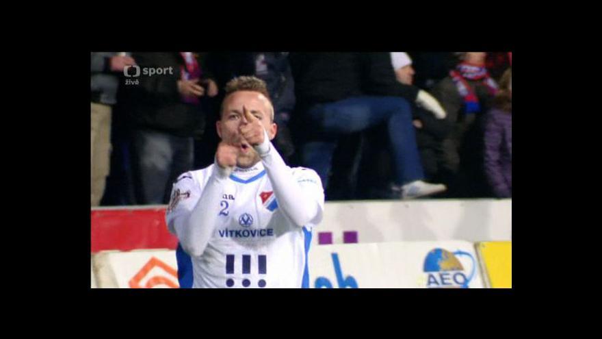 Video Mirosavljev zakončil rychlý brejk - 0:1 (51. minuta)