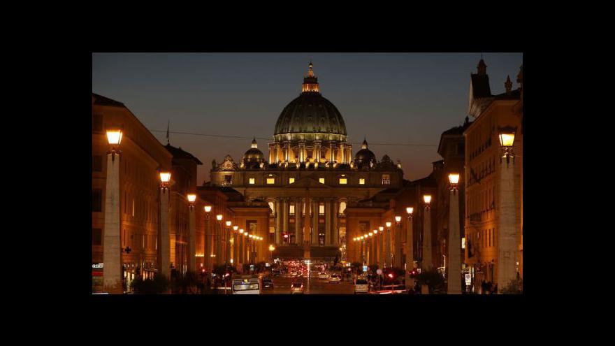 Video Ve Vatikánu se sešli kardinálové