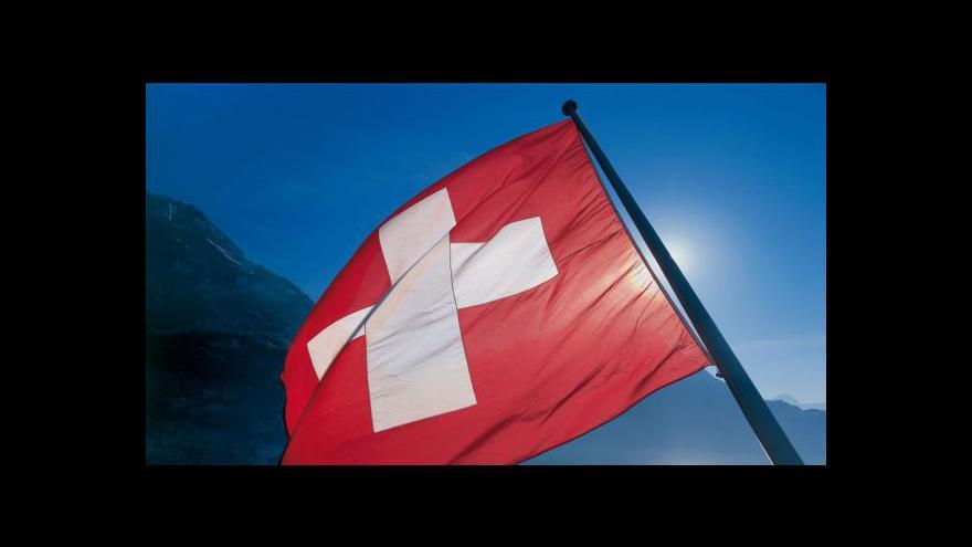 Video Švýcaři schválili kontroly odměn pro vedoucí pracovníky
