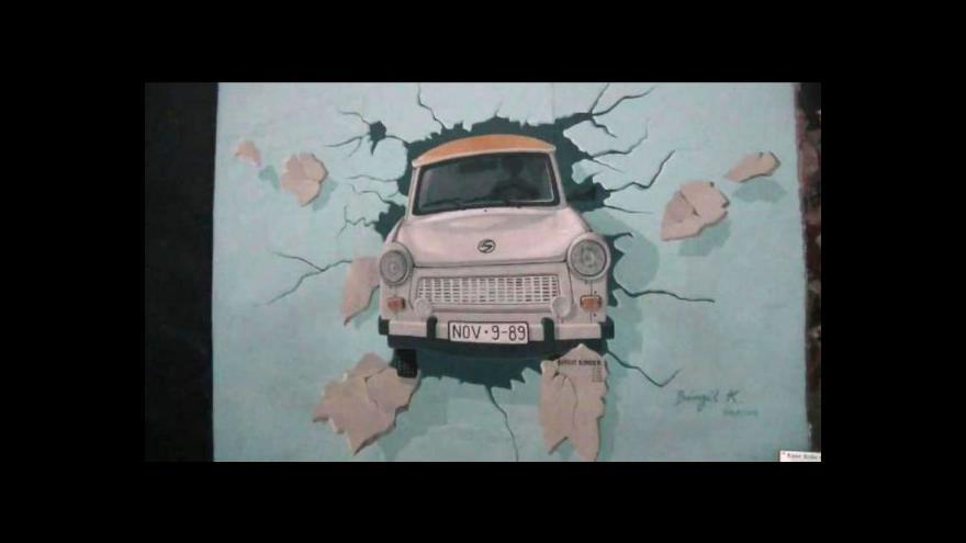 Video Berlínská zeď je zase o něco kratší