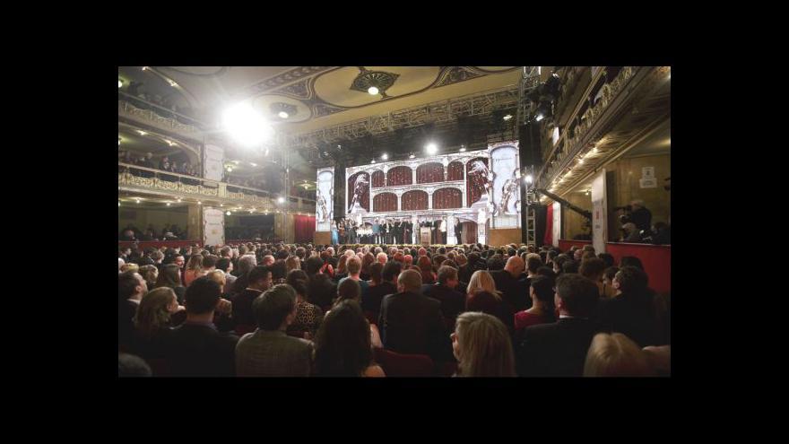 Video Nejlepší filmoví tvůrci převzali ocenění Český lev 2012