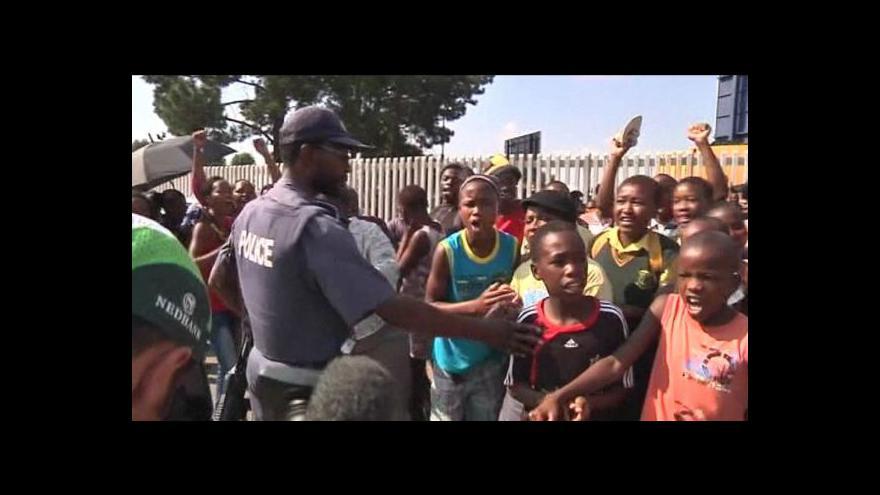 Video Brutální chování policie pobouřilo JAR