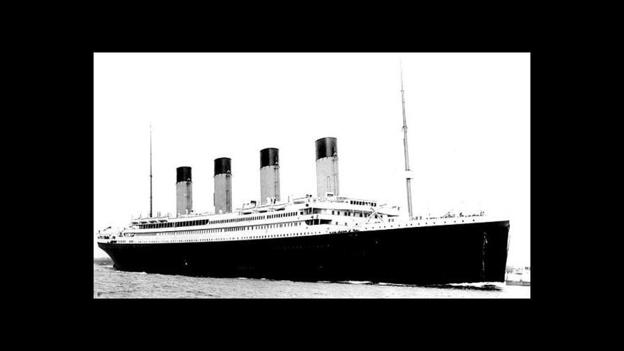 Video Miliardář staví repliku Titaniku