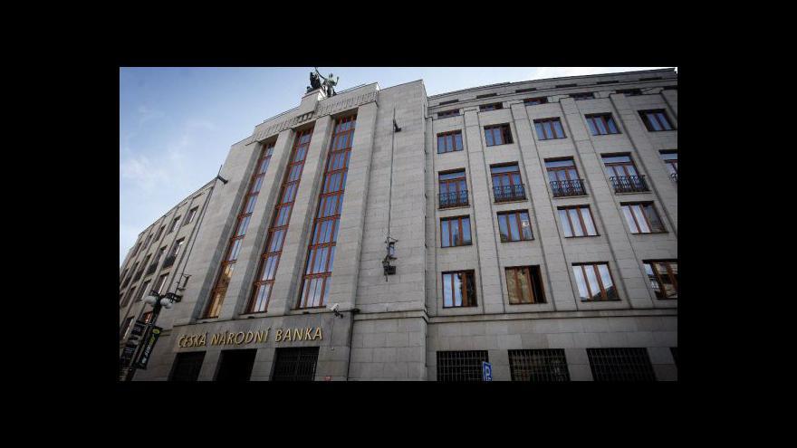 Video Brífink ČNB o vývoji počtu padělaných bankovek v roce 2012