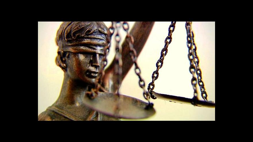 Video Soudce i žalobce se přiznali ke korupci