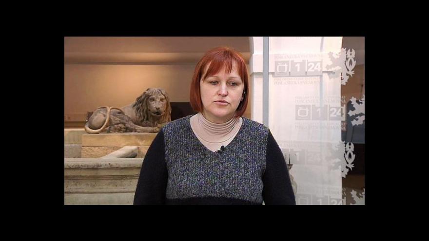 Video Poslankyně Lenka Kohoutová ve Studiu ČT24 o výplatě dávek