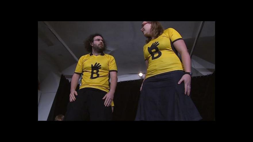Video NO COMMENT: Ukázka z improvizačního představení