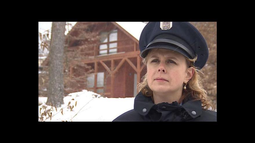 Video Policie kontroluje chatky v Jedovnicích