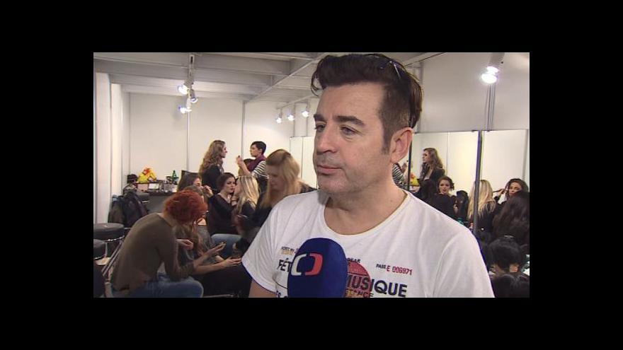 Video Vizážista Pavel Bauer o líčení modelek na módních přehlídkách