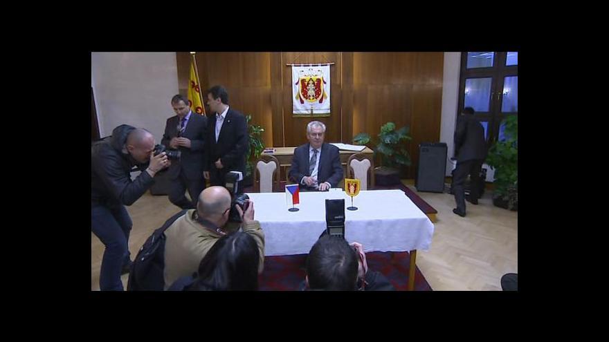 Video Zeman poděkoval lidem z Nového Veselí za podporu