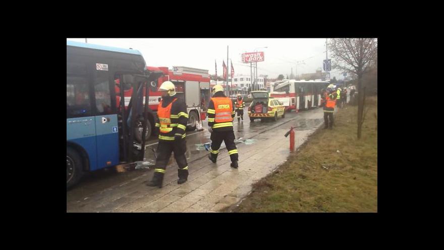 Video No comment: srážka autobusů ve Slatině