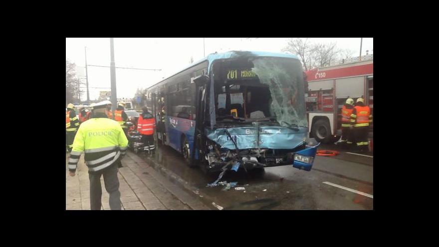 Video No comment: nehoda autobusů ve Slatině