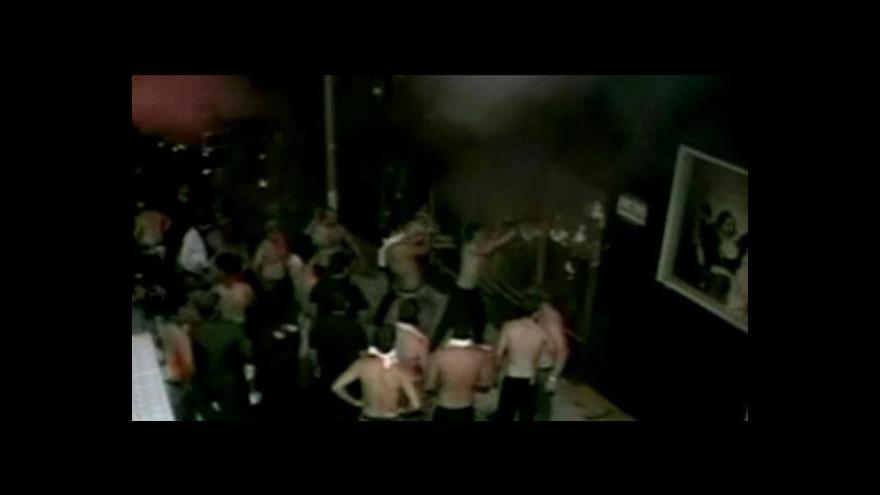Video Brazílie oplakává mrtvé z nočního klubu, tři lidé zadrženi