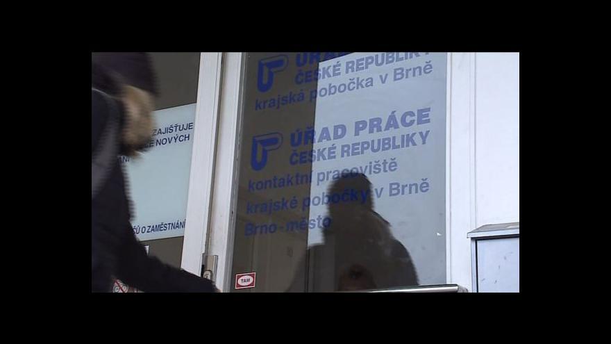 Video Počet lidí bez práce roste