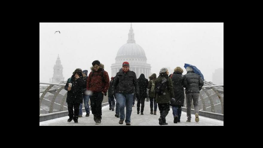 Video Evropu zasypal sníh