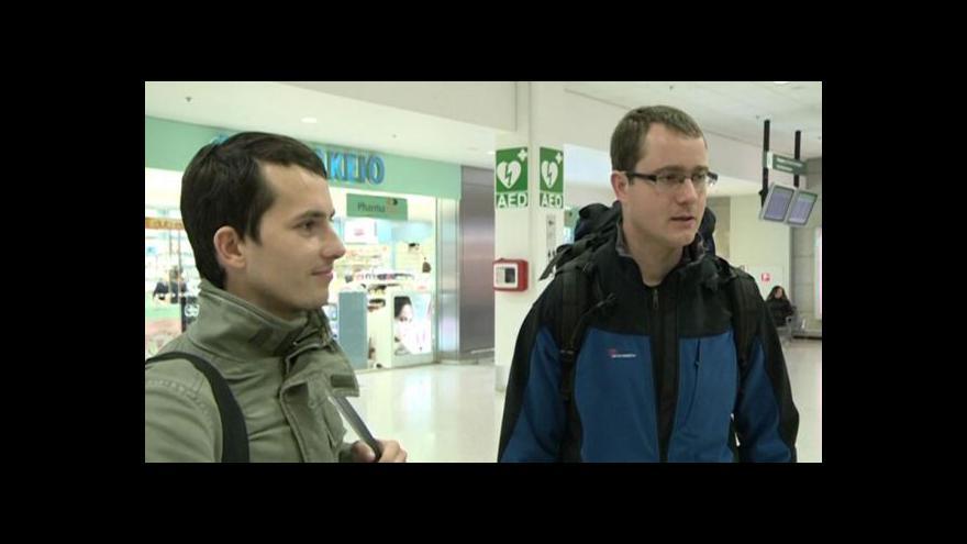 Video Přílet dvojice Čechů z Řecka