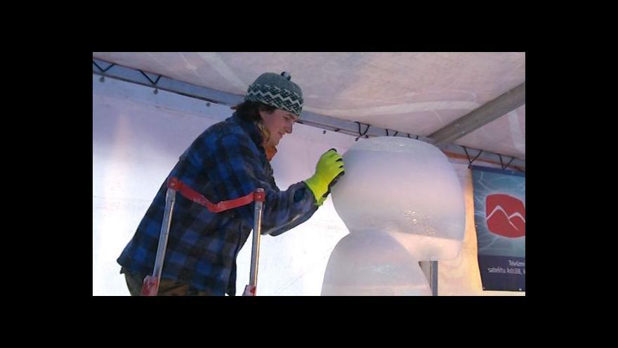 Video NO COMMENT: Ledové sochy na Pustevnách
