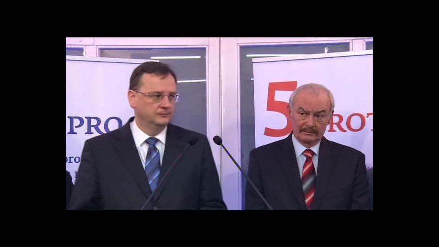 Video Volba prezidenta 2013: Tisková konference Přemysla Sobotky a premiéra Nečase