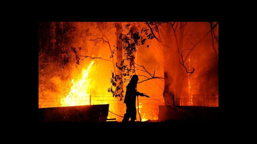 Video Hasiči dál bojují s požáry napříč Austrálií
