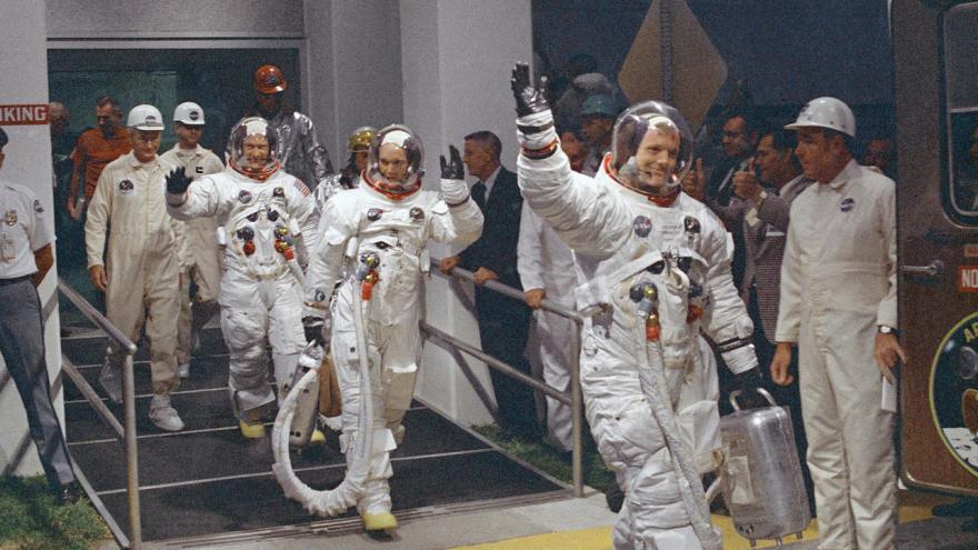 Video Jak vypadaly minuty před vzletem slavného Apolla 11?